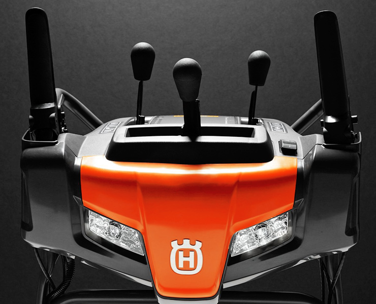Husqvarna-ST224-best-single-stage-snow-blower-feature-front