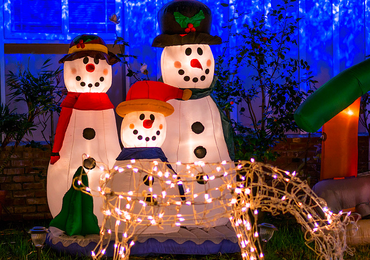 Cool Xmas Decorations For Outside Your